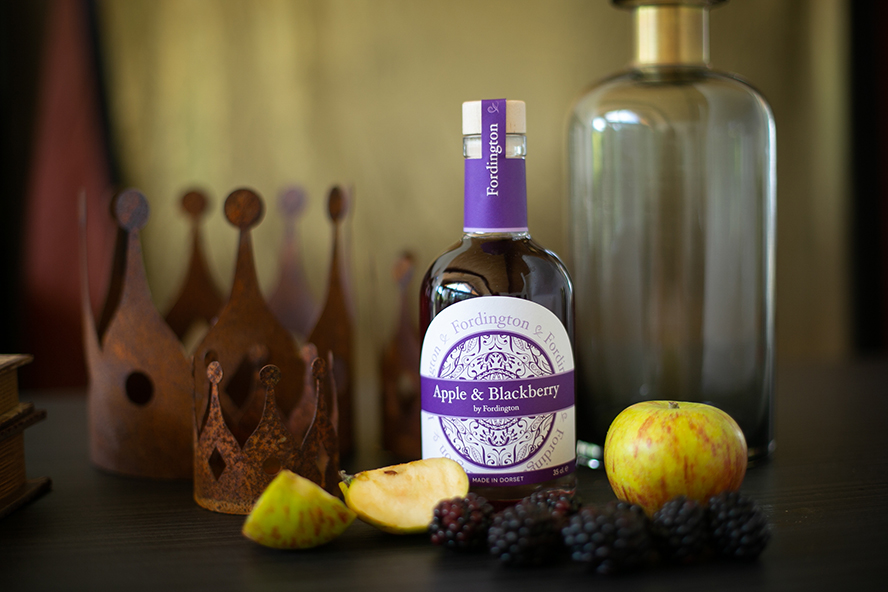Apple and Blackberry Fordington Gin by Sasfi Hope-Ross, commercial photographer Dorset